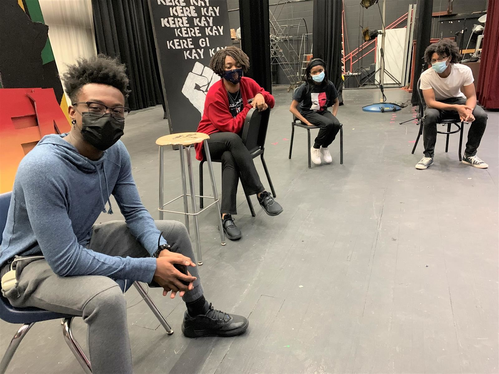 Tri-Cities VPA instructor Jade Lambert students prepare for Auguste Wilson Monologues Competition